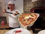 Ristorante Pizzeria Valgrande, Bettino sforna la Pizza I love Montecampione