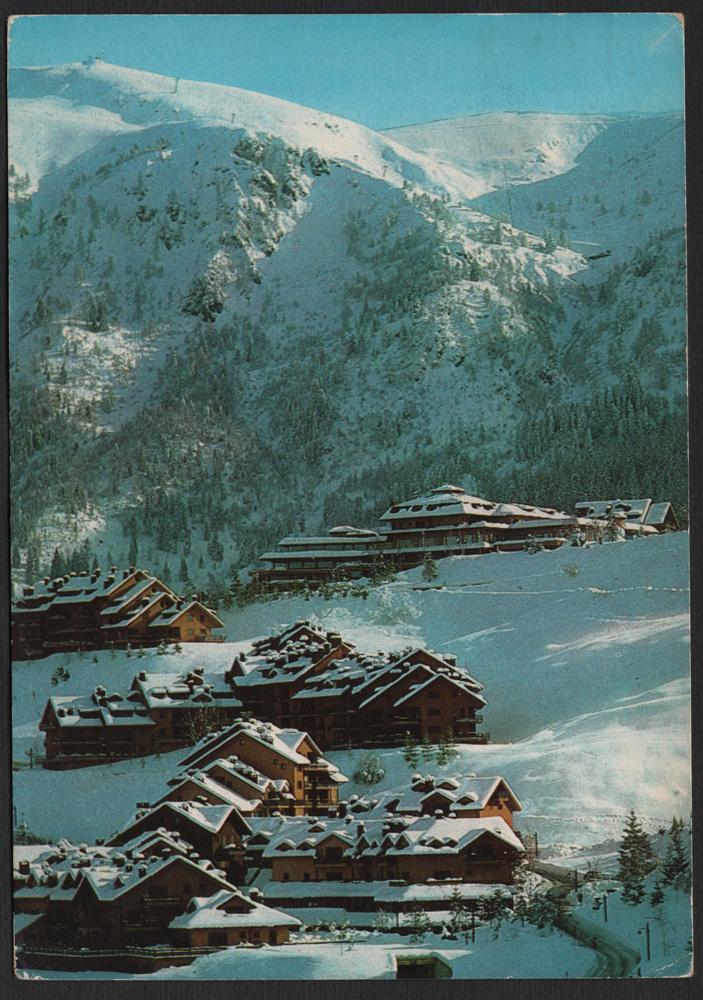 La cartolina del martedì – MONTECAMPIONE (BS) m.1200 s.m. L'Hotel e la Piazzetta edita da divisione immagine • alpiaz •